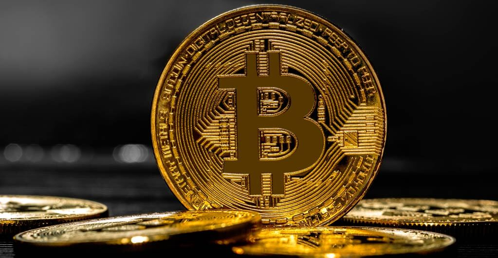Buffet Invests in Gold Mining Firm, Heading Bitcoin Prices to $50,000